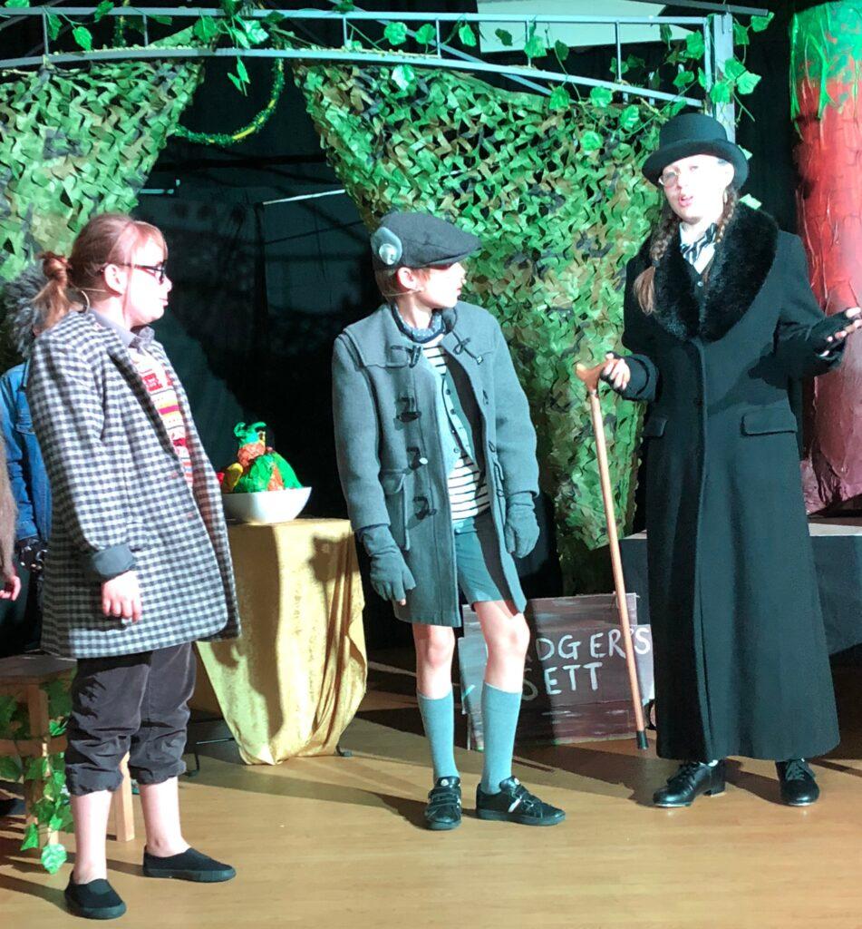 Children-on-stage